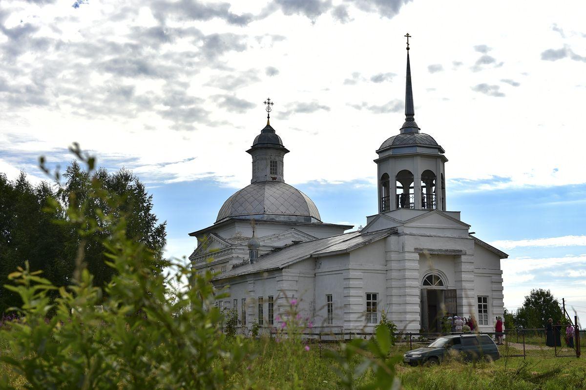 Храм Воскресения Христова в д. Огибалово