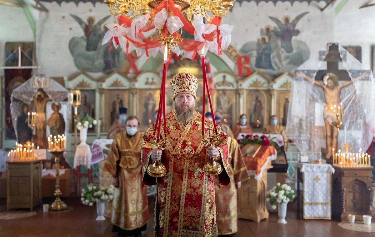 Митрополит Савва совершил Божественную литургию в храме святителя Афанасия Великого села Чирково