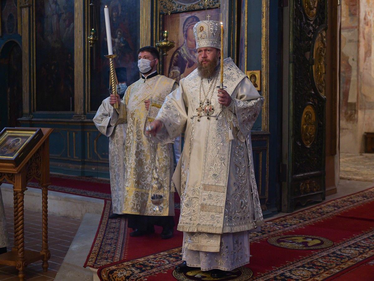 Накануне праздника Вознесения Господня митрополит Савва совершил всенощное бдение в Софийском Успенском соборе Вологды