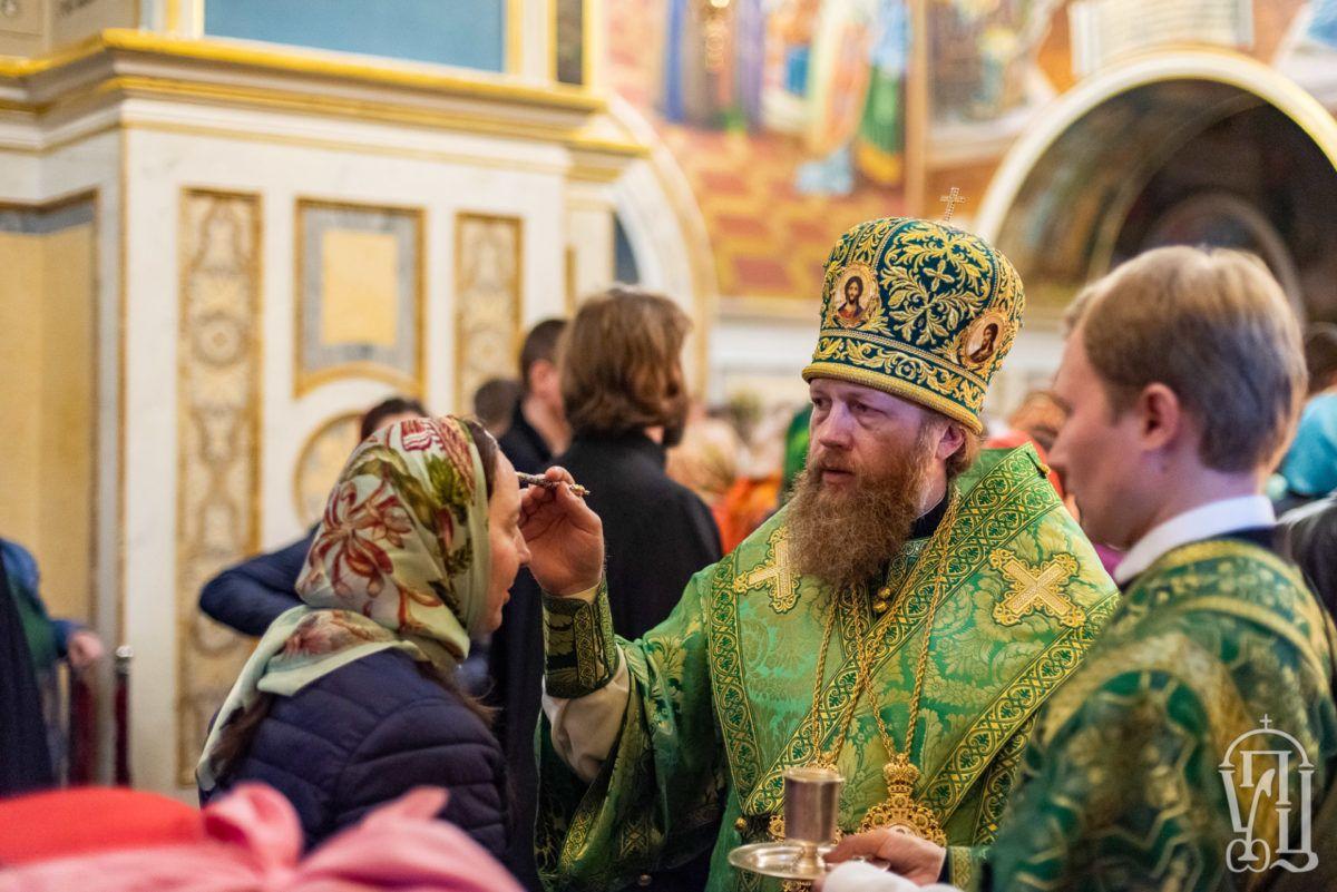 Митрополит Савва сослужил митрополиту Киевскому и всея Украины Онуфрию на богослужении в Киево-Печерской Лавре