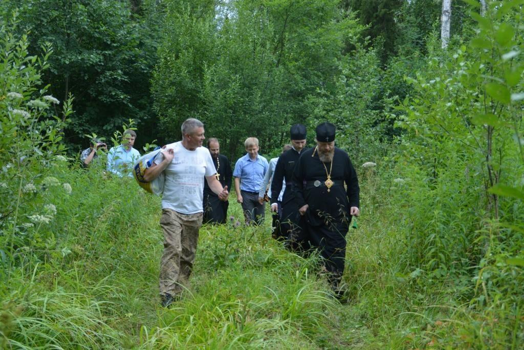 Митрополит Савва возглавил паломничество к месту выпадения каменной тучи