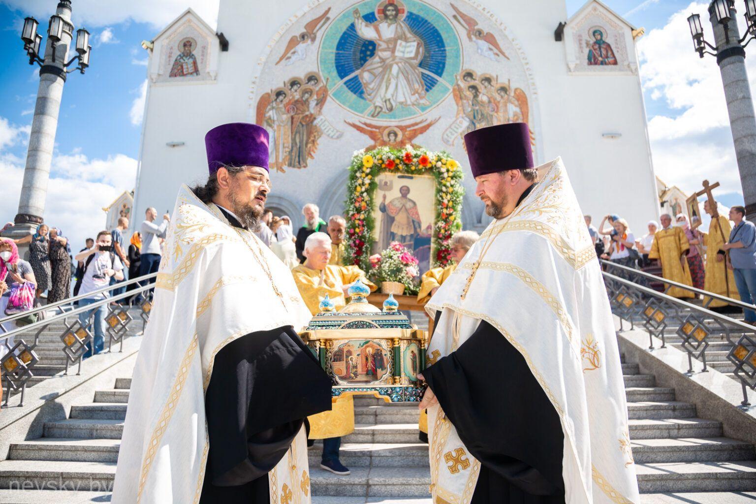 В Минске прошел крестный ход по случаю празднования 800-летия со дня рождения благоверного князя Александра Невского
