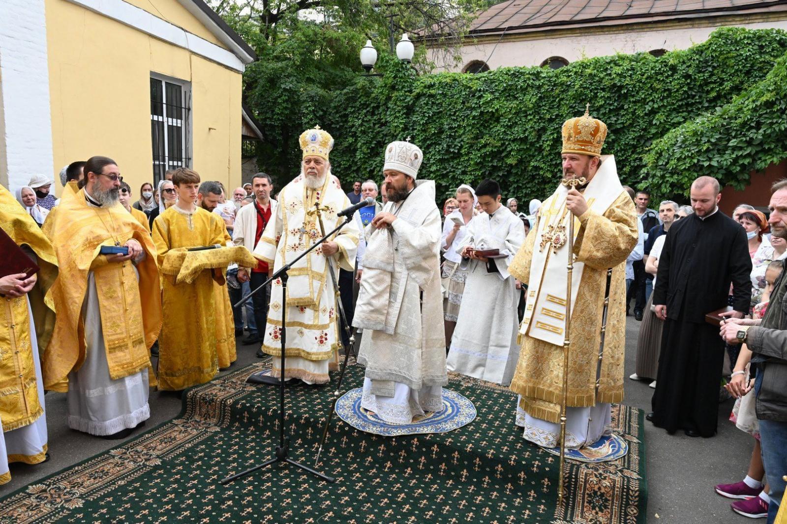 Митрополит Волоколамский Иларион совершил Литургию в храме московского подворья Антиохийской Церкви