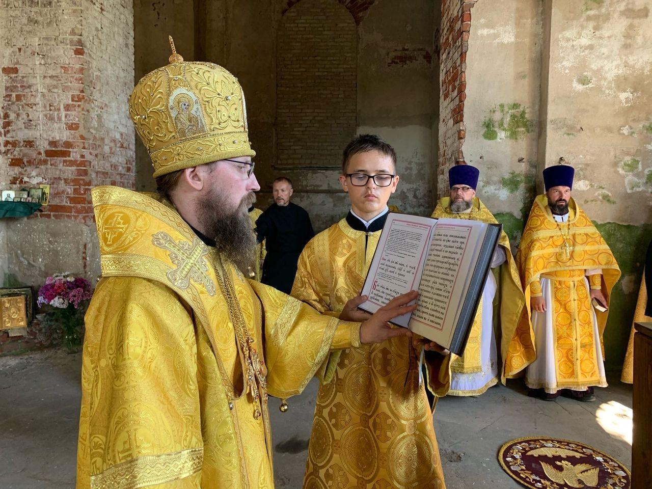 Управляющий Череповецкой епархией епископ Игнатий возглавил богослужение в бывшем Парфеновском Богородицком монастыре