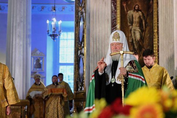 Святейший Патриарх Кирилл: Каждый священник должен понимать, что и от него зависит будущее нашей страны