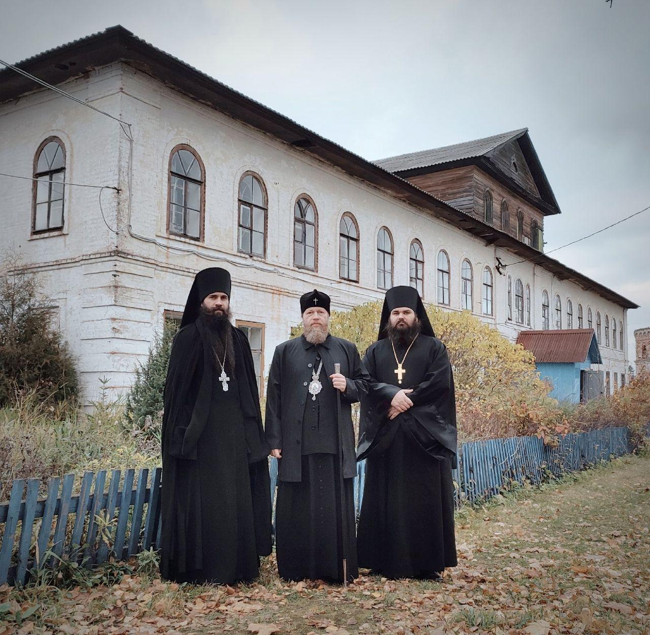 Митрополит Савва посетил Заоникиеву пустынь под Вологдой