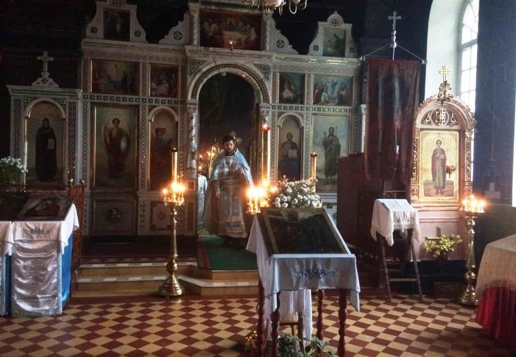 В Усть-Печеньге молитвенно отметили престольный день