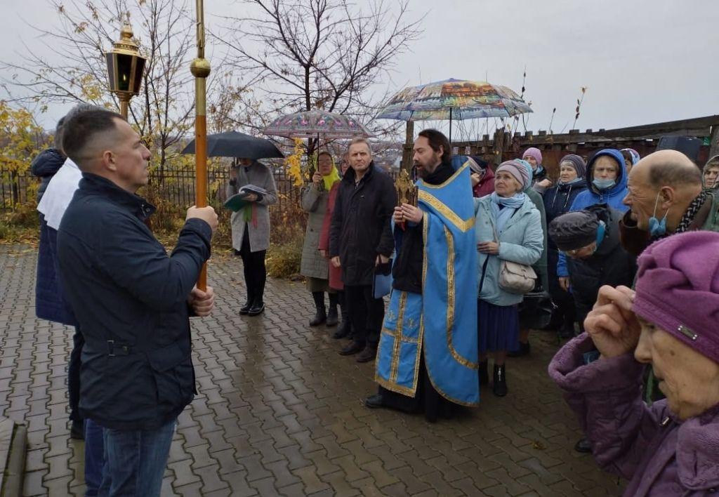 В праздник Покрова Божией Матери в Великом Устюге прошел крестный ход