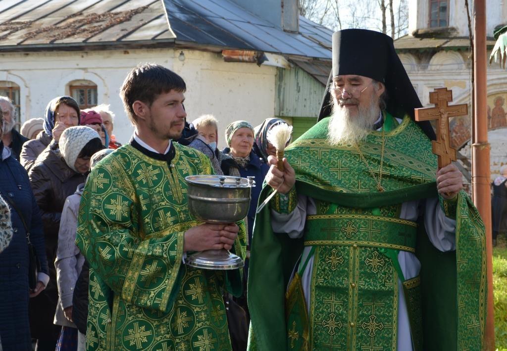 В Михайло-Архангельском монастыре состоялись праздничные богослужения по случаю юбилейного дня памяти святого Киприана Устюжского