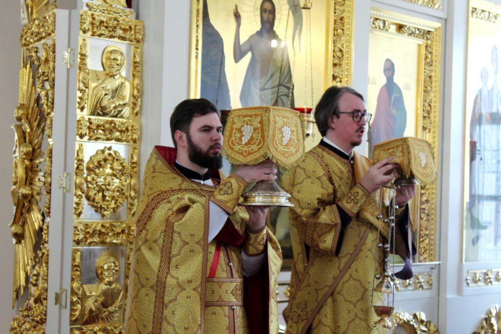 Студенты Вологодской семинарии приняли участие в воскресном богослужении